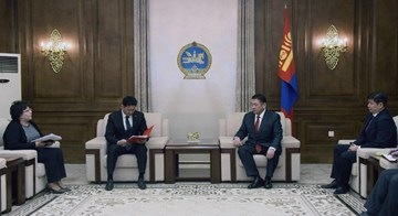 Video: Prime Minister U.Khurelsukh presents the bill to authorize his Cabinet members